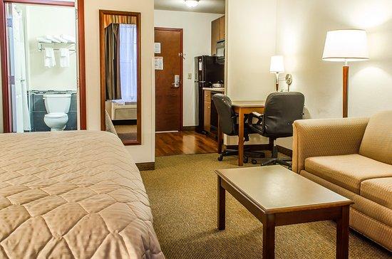 Grantville, PA: Guest room