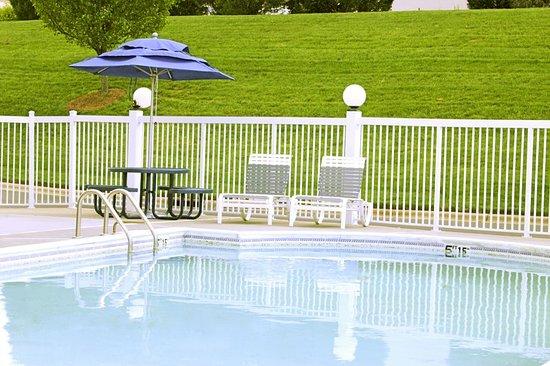 Pineville, NC: Pool