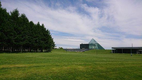 สวนสาธารณะ โมเอเรนุมะ: ガラスの塔