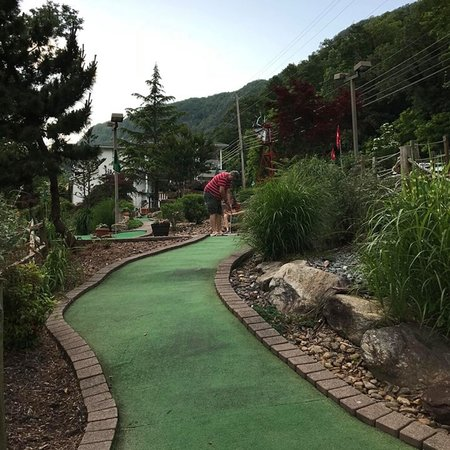 Chimney Rock Adventure Golf