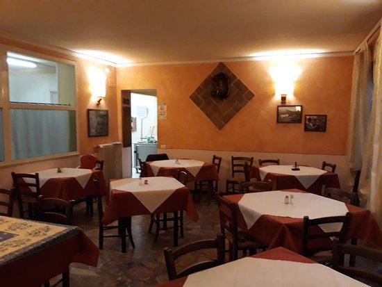 Lamporecchio, Italien: saletta interno locale