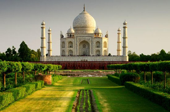 Experience Agra in a One Full Day...
