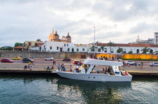 Round-Trip Sunset tour in Cartagena's...
