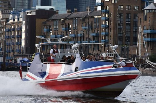 Experience the fastest premium jet boat ride on the river Thames