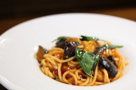 https://media-cdn.tripadvisor.com/media/photo-s/13/10/ad/86/cucina-italiana-aria.jpg