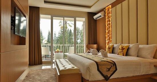 Royal Safari Garden Resort & Convention: the room
