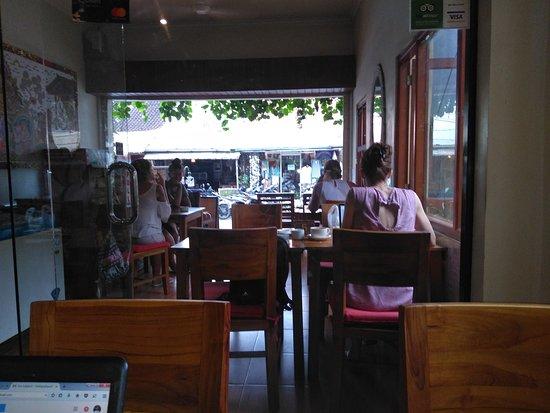 Brata Cafe: #LunchAtBrataCafe