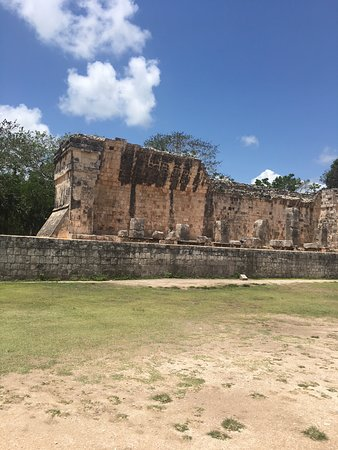 Chichén Itzá: The Ruined Area with Archeological importance-1