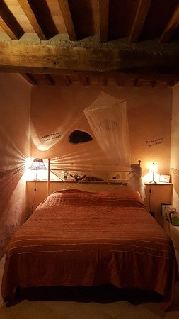 Monterotondo Marittimo, Italie : 20180521_205213_large.jpg