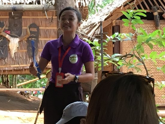 Palawan Butterfly Ecological Garden and Tribal Village: 原住民の村の見学