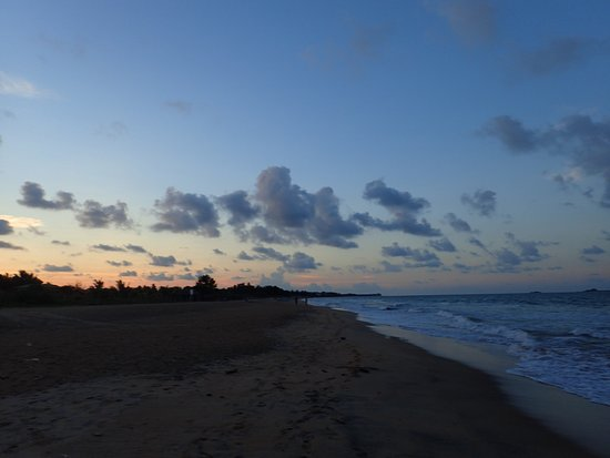 Palm Beach Nilaveli Hotel : Sunset walk along the beach