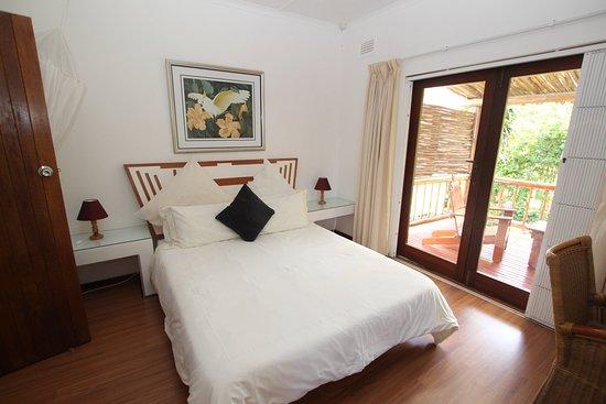 Ramsgate, Sør-Afrika: Garden facing Treetops room