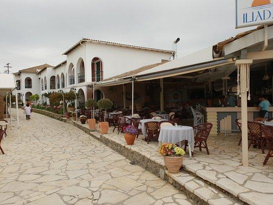 Iliada Beach Hotel : 20180523_131350_large.jpg