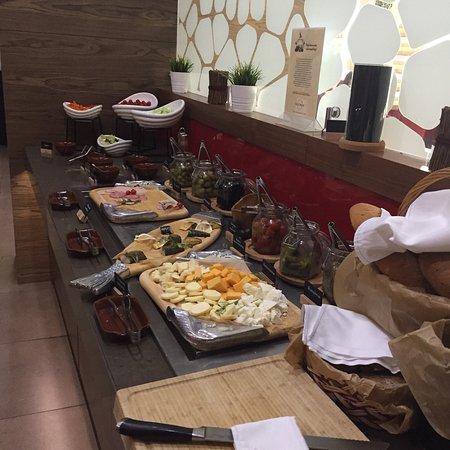 Imeretinskiy Hotel: Завтрак шведский стол в отеле Имеретинский
