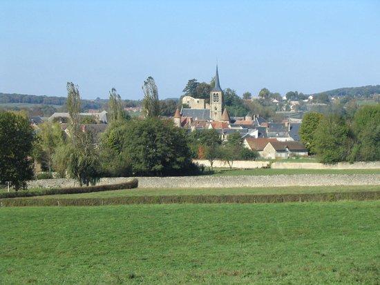 Moulins-Engilbert, Francja: le village de Moulins Engilbert