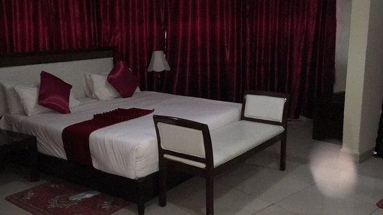 Samrat Hotel: Suite room