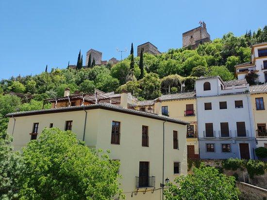 Shine Albayzin: The vicinity of Alhambra