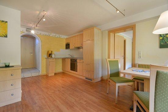 Residenz Theresa: Wohn/Küche - Appartement Löwenzahn für 2 - 4 Gäste