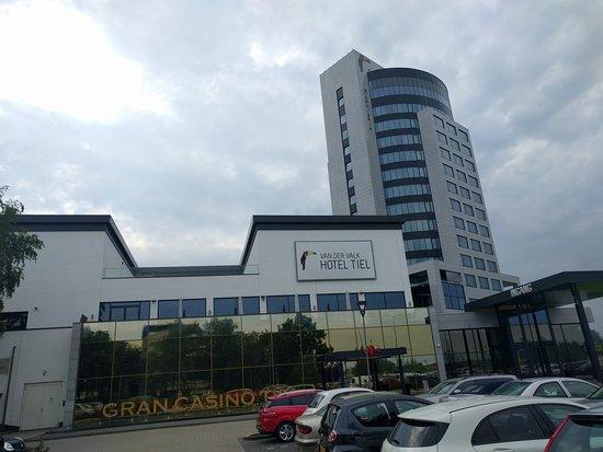Tiel, Países Bajos: Casino en toren met duurdere kamers