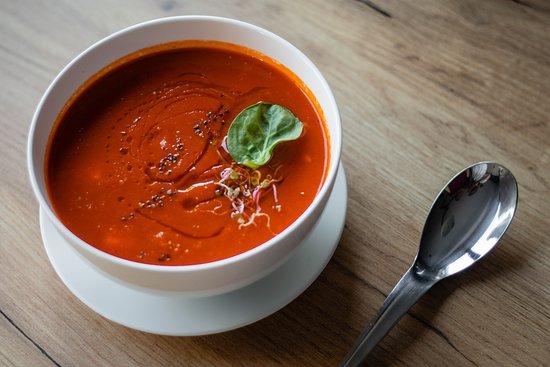 Aleksandrow Lodzki, Poland: Krem z papryki i włoskich pomidorów
