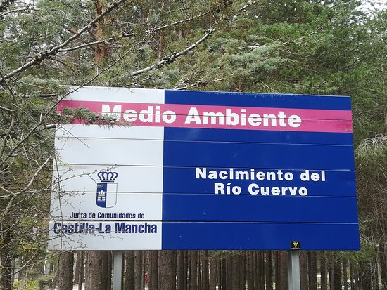 Vega del Codorno, إسبانيا: Señal junto a la carretera