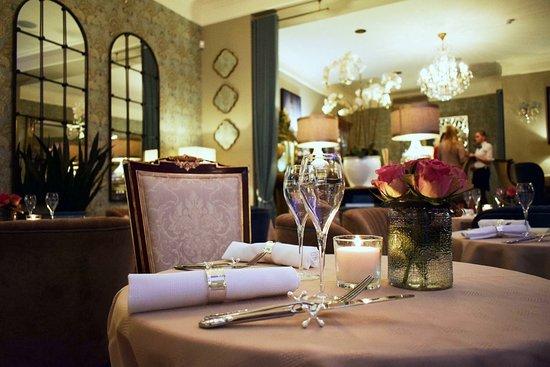 Leja: Romantic reservation