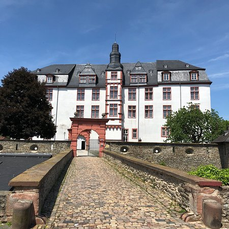 Idstein, Deutschland: The old castle is used as high school today