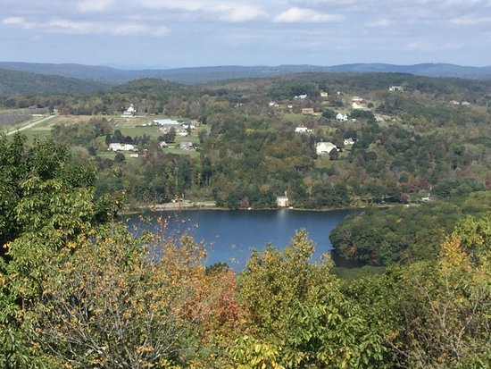 Mount Tom State Park: View from top of tower
