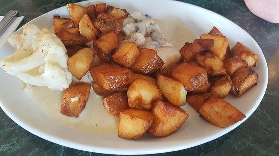 chicken al la creme iwth loads of potatoes picture of ruis