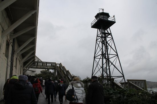 Αλκατράζ: A watch tower of the prison