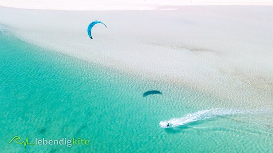Lebendigkite: Unreal kitesurfing spots with warm and crystal clear water.