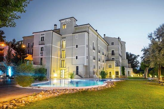 Alhama de Aragon, Espagne: Exterior del hotel