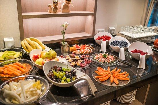 Hotel Weinegg: Frühstücksbuffet