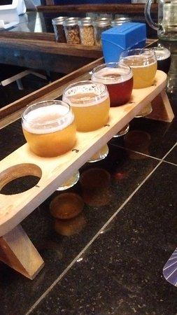 Dirigo Brewing Company: Beer flight