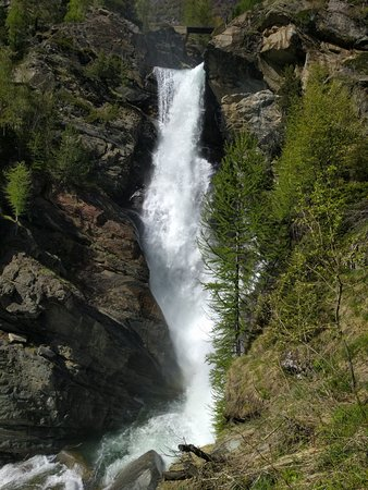 Lillaz Waterfalls: cascata