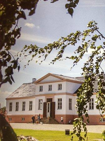 Reventlow Museum Pederstrup: Hans smukke slot som indeholder museet