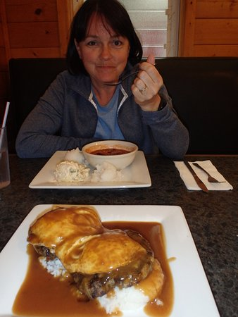 Volcano's Lava Rock Cafe: Loco Moco and chili