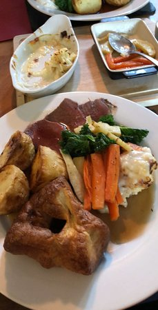 Stokenham, UK: Roast beef with all the trimmings