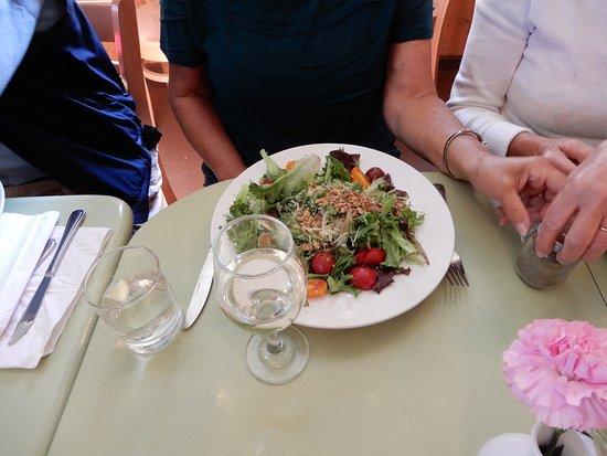 Chester Basin, Canada: Walnut salad
