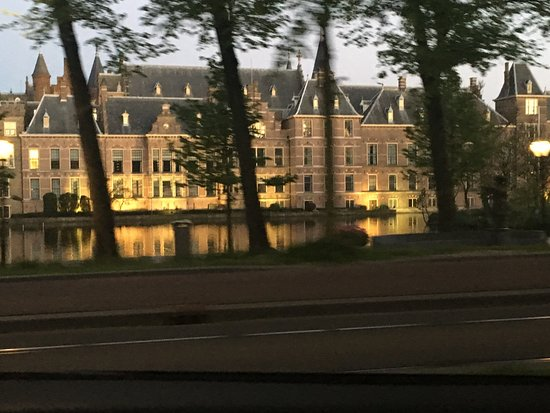Binnenhof & Ridderzaal (Inner Court & Hall of the Knights): Building