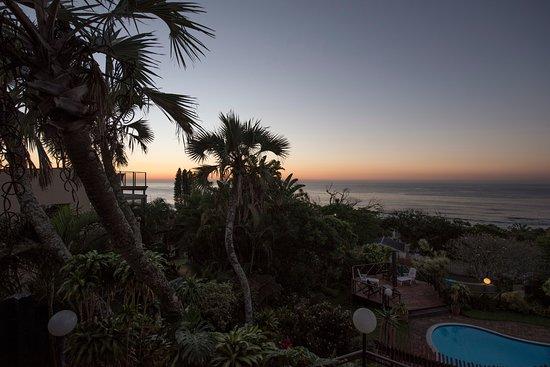 Ramsgate, Sør-Afrika: Enjoying the sunrise from our private balcony