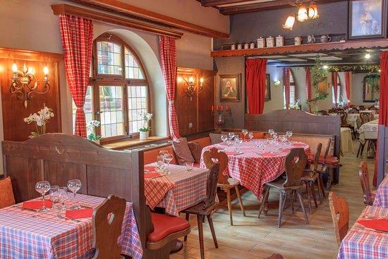 "Restaurant Au Cerf: Salle ""Rouge"""