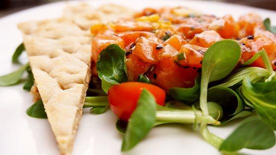 Keik: Nuestro delicioso Tartar de salmón.