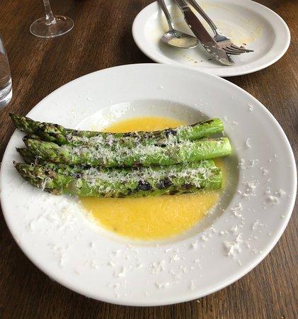 Lewisham, UK: Buttery asparagus.