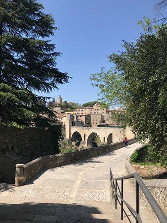 Bridge of Besalu: Pont