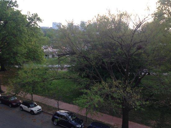 Joud Residence: Вашингтон- город-сад (вид из номера)