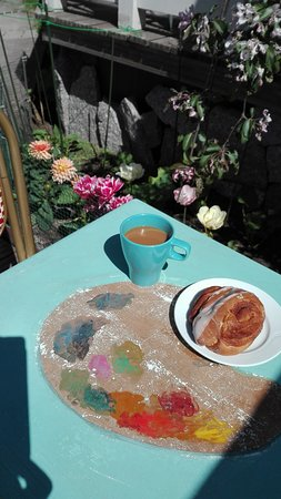 Cafe Taideterassi: Table art