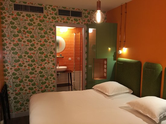 Hotel Exquis By Elegancia - Rooms For Change