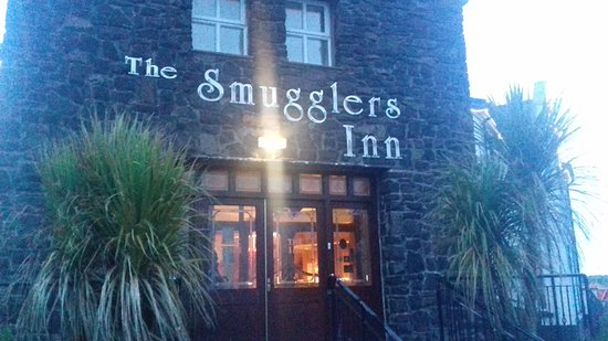 The Smugglers Inn Restaurant: From this door if coming out you would see a panarama view of the sea