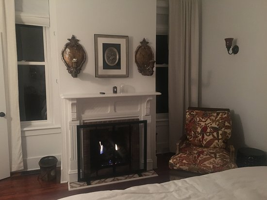 The Hudson Guest House Photo